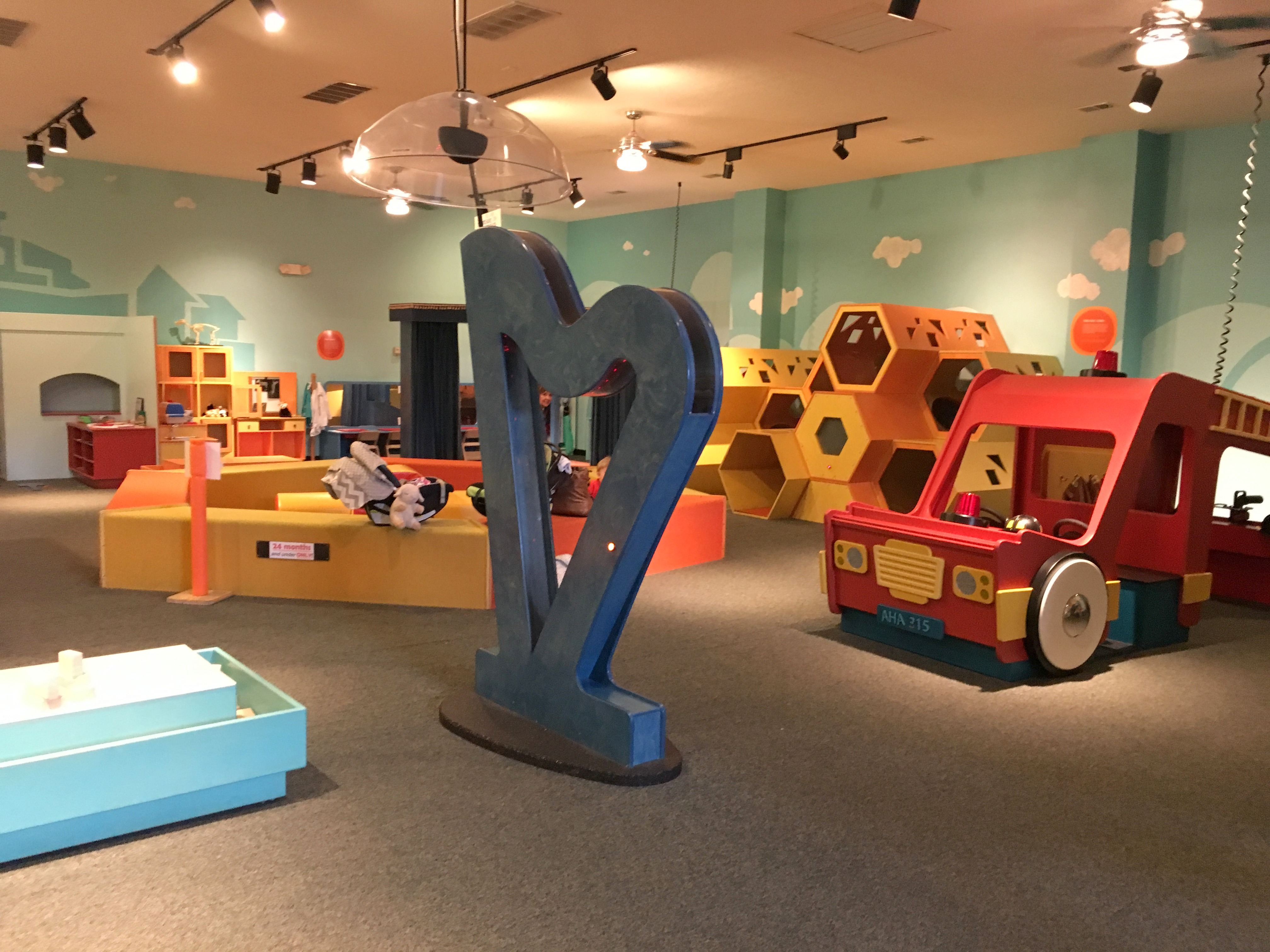 45 indoor play places and activities for kids around columbus for Cheap indoor play areas