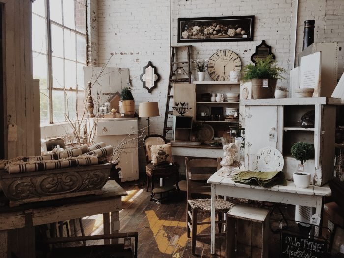 Shop these Vintage Sales and Barn Sales in Columbus