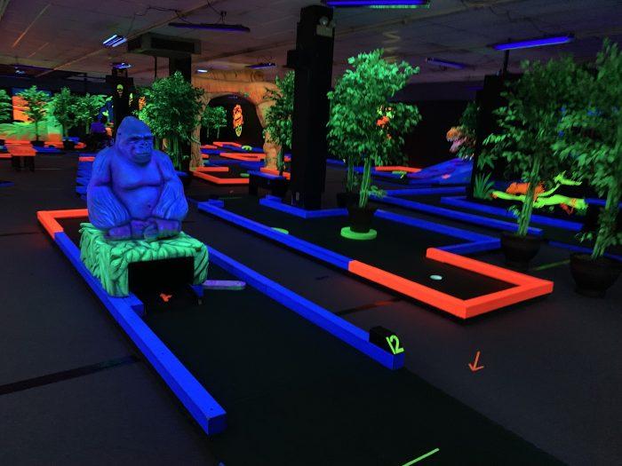 glow putt indoor play